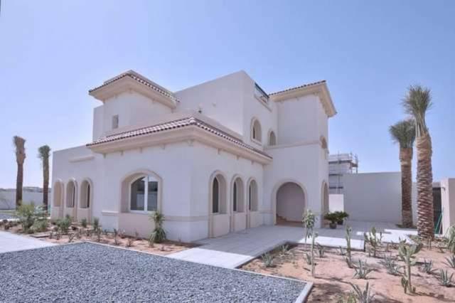 أبوظبي تعفي المواطنين من سداد قروض سكنية